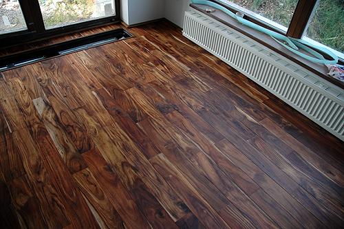 Dřevěná plovoucí podlaha tloušťka